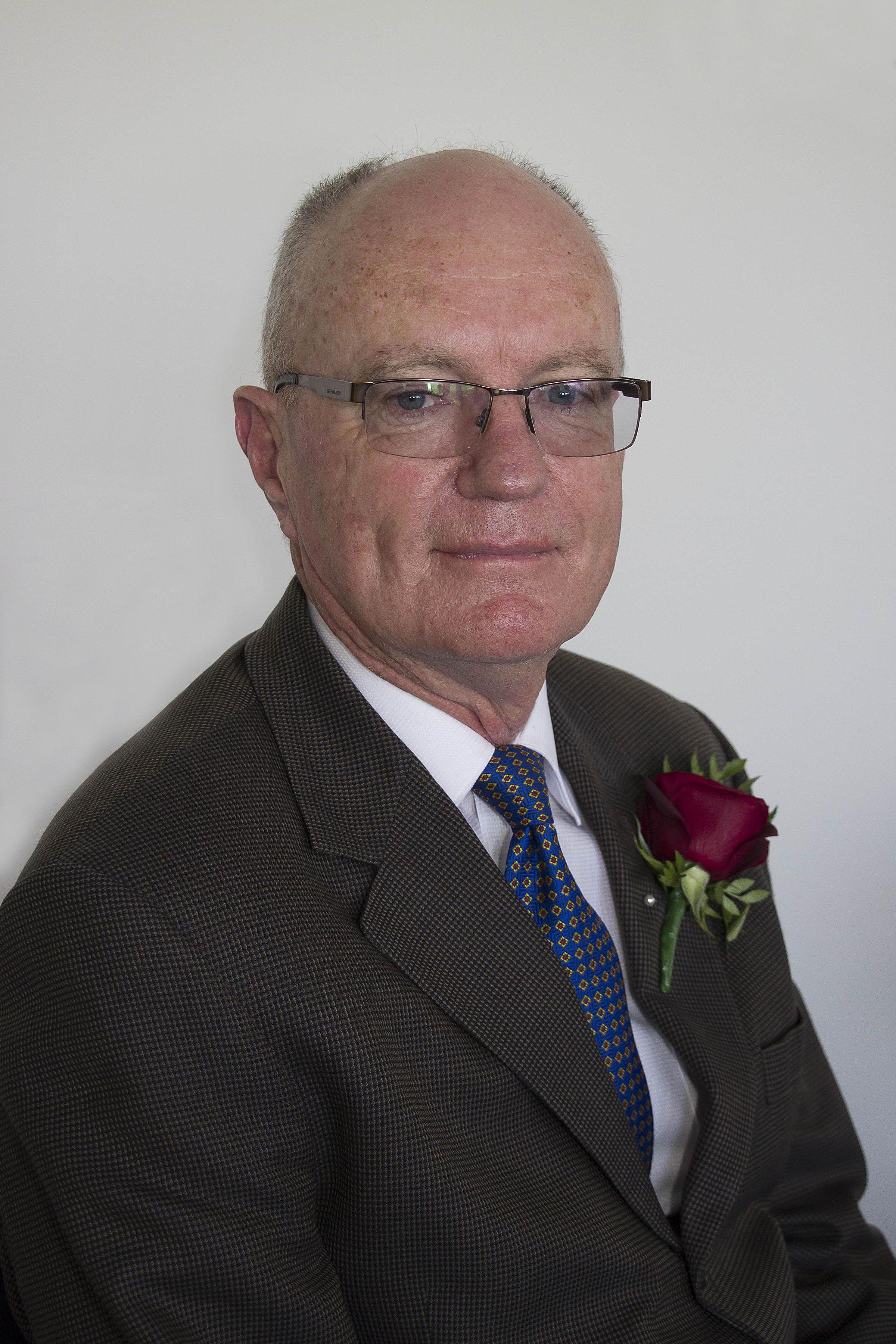 Cr David Carruthers